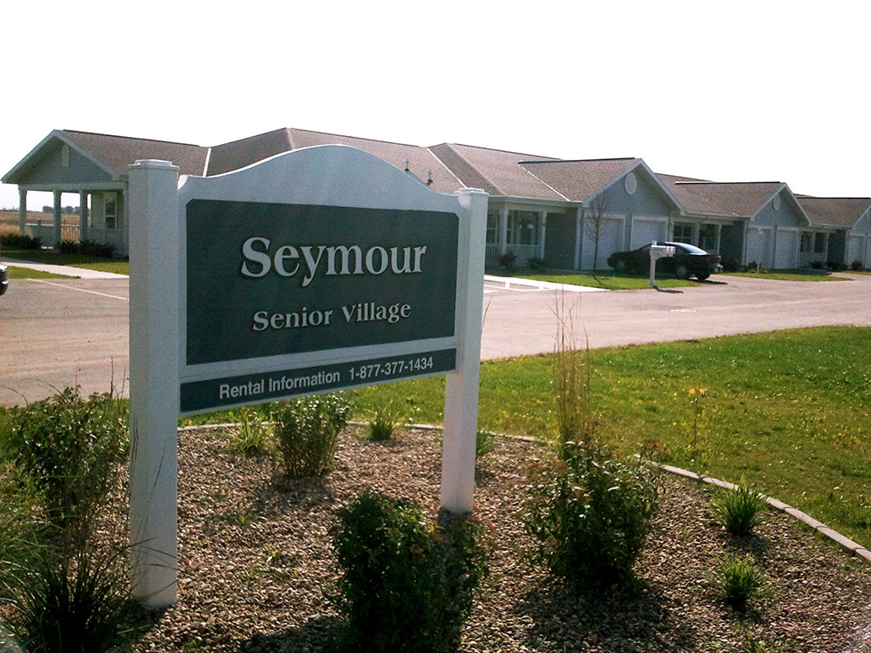 SeymourSV Exterior with Sign