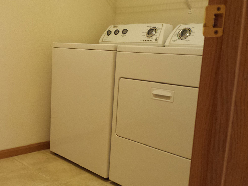 SeymourSV Laundry Room