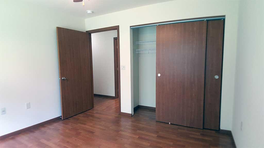 River Wood bedroom 3 closet