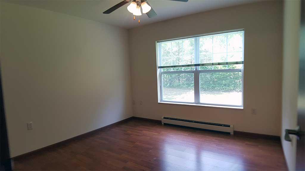 River Wood bedroom 3 room