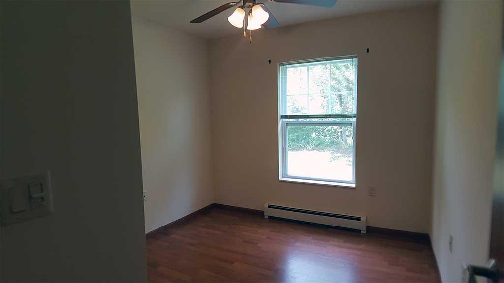 River Wood bedroom 2 room