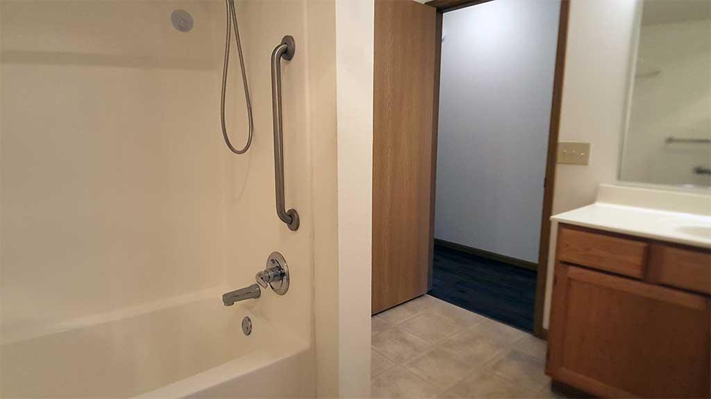 Wolf River SV full bathroom back building