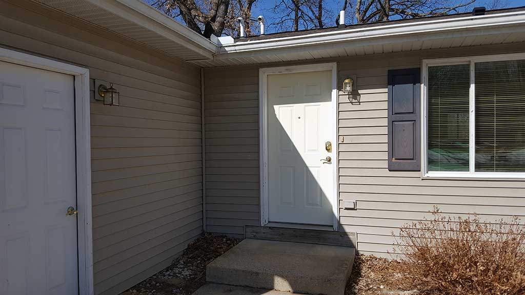 Westfield entry 2 bedroom side