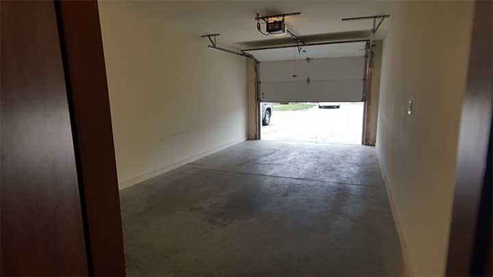 Garage interior17