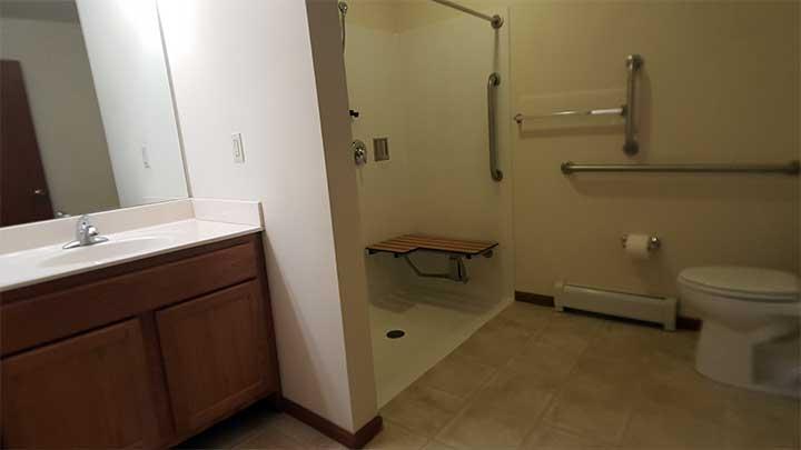 Full bathroom19